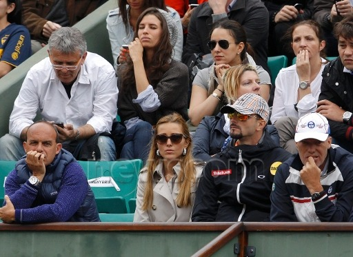 Jelena being all pretty while watching Nole ;)