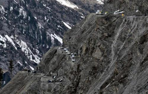 Zoji Pass reopens to traffic in India