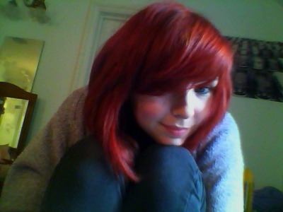 See, Milly! It looks brighter in this photo! I love having red hair. It's just so much ffuuuuuunnnnn.
