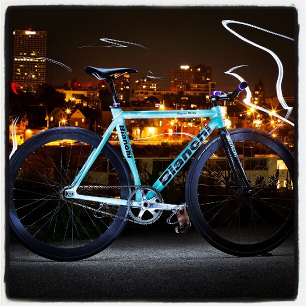peterdiantoni:  lighting up the #Bianchi #Superpista #Knog (Taken with instagram)