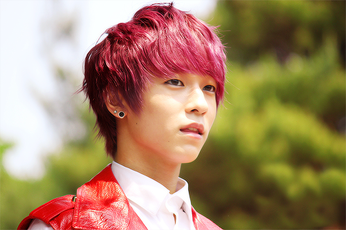 Cute Korean boys with pink hair <3