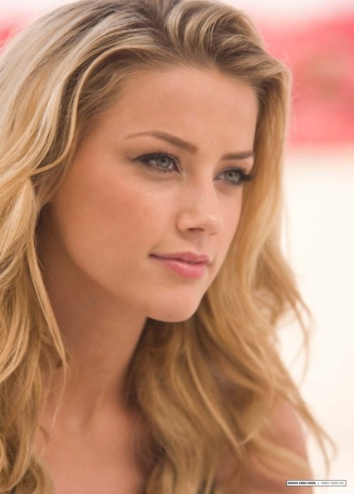 Sexy celebrity Amber Heard - a big screen success story!