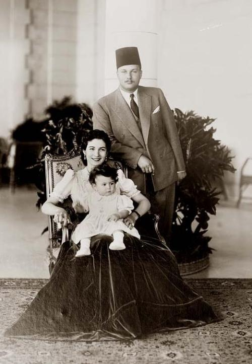 legrandcirque:  Riad Shehata, King Farouk I of Egypt with his wife Queen Farida and their daughter Princess Ferial, 1938-1939. Source: Library of Congress