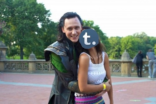 hellyeah-tomhiddleston:  Now its feels right…  KASSGHDFYSHJAAKJASJFNHFHUFHJSKLLASUDISNUCR!?