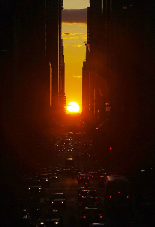 Manhattanhenge. Tonight @ 8.25pm