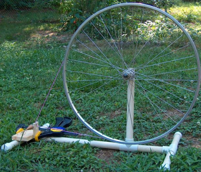 some variation of this is in my future. Homemade spinning wheel using bike parts.