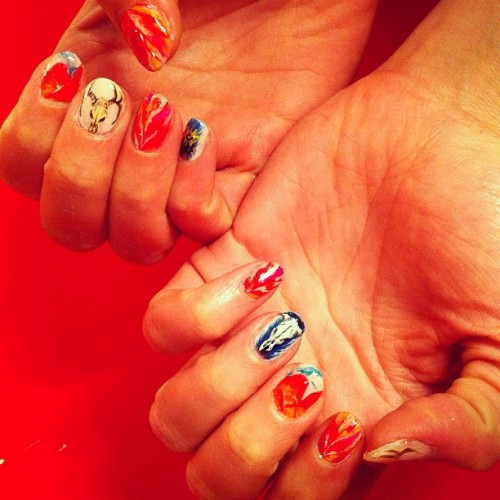 naominailsnyc:  Georgia O'Keeffe inspired #nail #nailart (Taken with instagram)  Insane!
