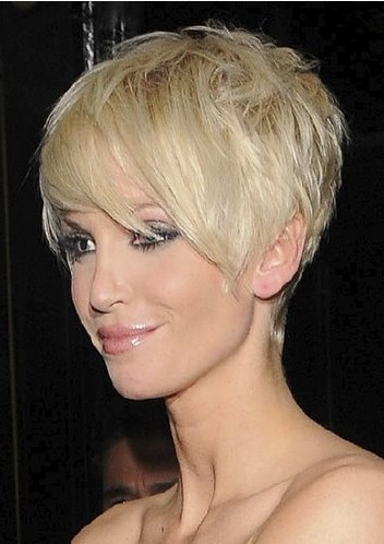 short hairstyles of celebrity hairdo form Sarah harding