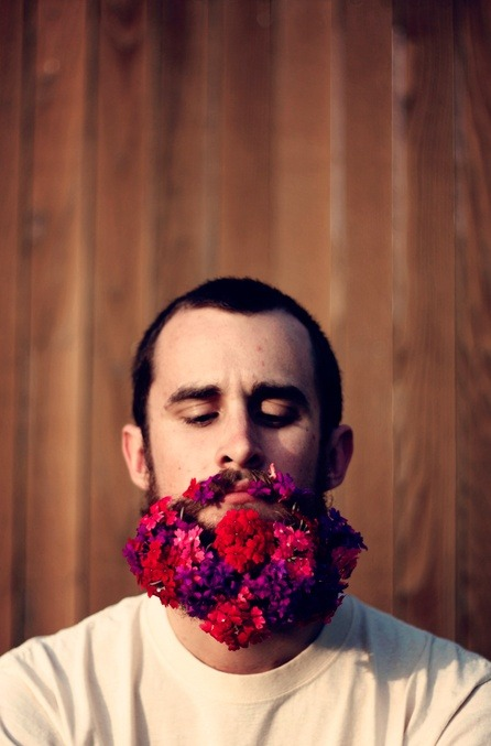 artofoverwhelm:  Flower beard.