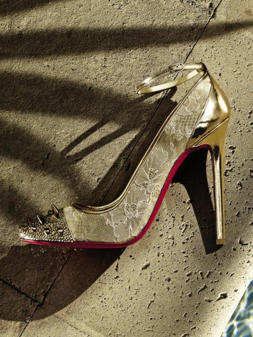 10022-shoe:  Earn your street credit with Christian Louboutin.
