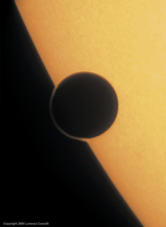 ikenbot:  Venus ring of fire 2004 by Lorenzo Comolli