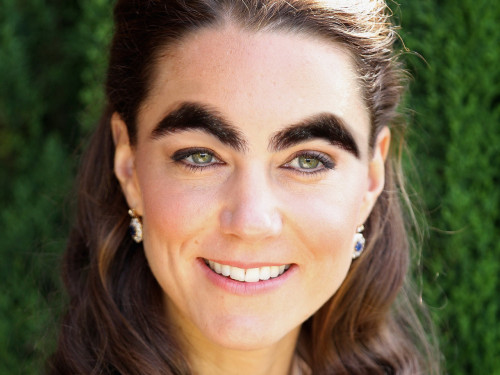 -isosceles-eyebrows:  Kate Middleton with Darren Criss' eyebrows