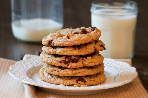 oceansizedream:  Cookies with Milk…One of life's pleasures !