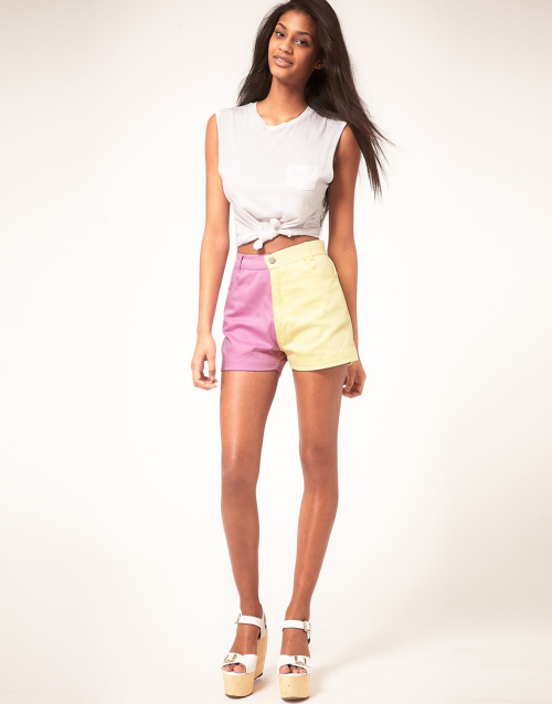 Motel '90s Shorts In Fruit Pastel ColourMore photos & another fashion brands: bit.ly/Jh6Agr