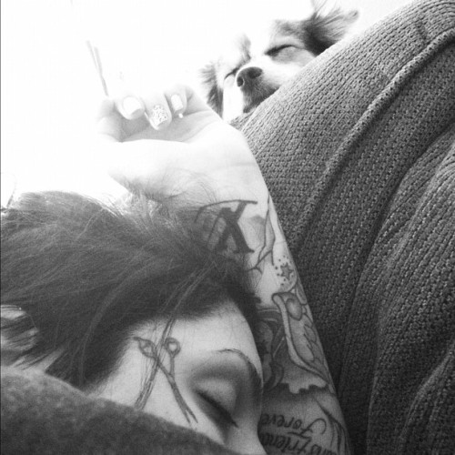antionettejosephine:  Me& Holly sleeping(: