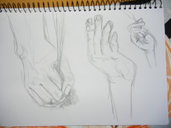 hands hands hands, the hardest of all features to draw.