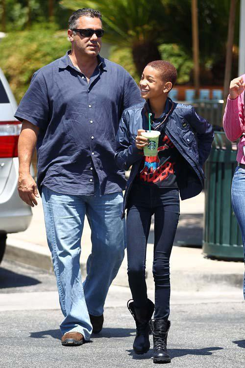 everythingyntk:  Willow Smith making a Starbucks run in Calabasas…
