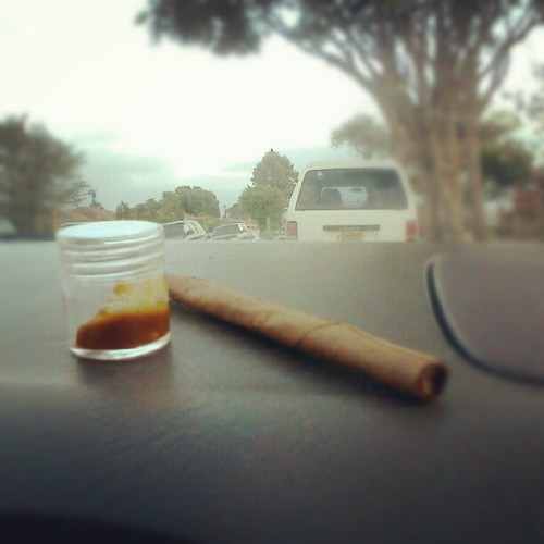 socalliven:  Dinner time with venom wax and candy kush #highsociety #wfayo #stonerphotoaday #stonersunday #fuckyehweed #pot (Taken with instagram)   Dat shit!