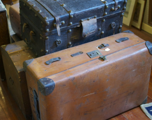 basicsofman:  Vintage Luggage