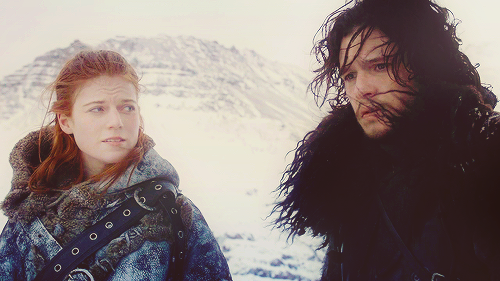 Reblogging for pretty, tragic Jon Snow and Ygritte being her usual fabulous self