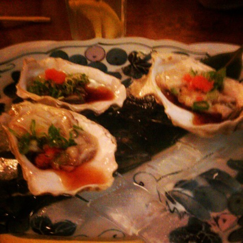 Fresh oysters! (Taken with Instagram at Honda-Ya Japanese Restaurant)