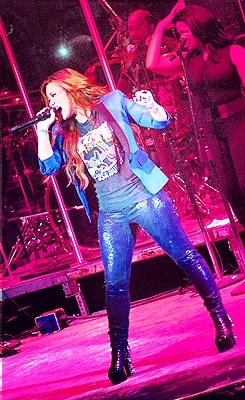 Demi Lovato in Concert #18. (Edited by me) please REBLOG instead of reposting. Or credit me at least.