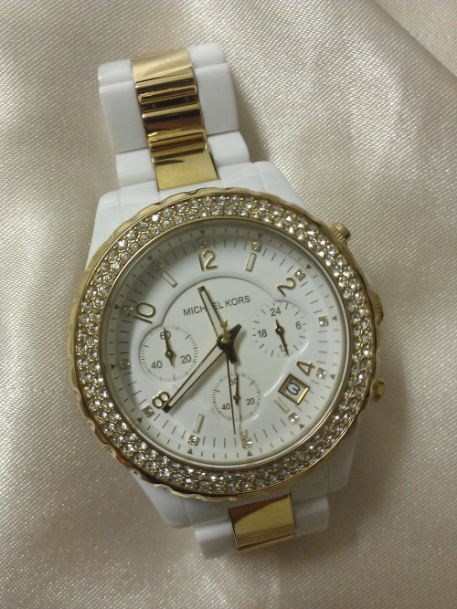 khin91:  My new watch<3
