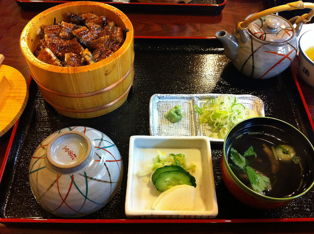 八百徳 (Yaotoku) Hamamatsu is a city known for its great unagi and Yaotoku is one of the city's most famous unagi restaurants. It has been featured on national television programs many times in the past.