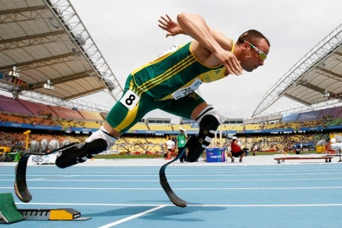 wildcat2030:  Oscar Pistorius comes out of the starting blocks in a race last year. In 2008, the South African sprinter was barred from competition; scientists successfully argued that the advantages of his prosthetics were offset by the disadvantages of being an amputee. He is now one race away from the London Olympics. (via Bionic Brains and Beyond - WSJ.com)