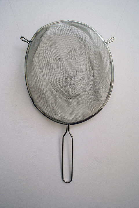 http://www.lostateminor.com/2012/06/01/cooking-strainers-used-to-project-portrait-shadow-art/