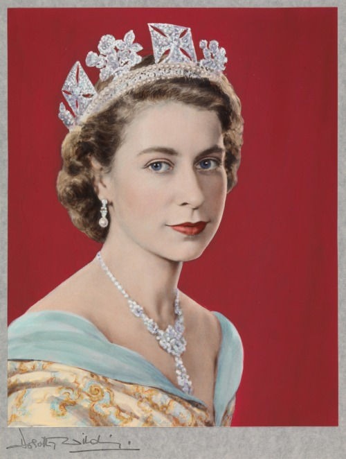 Dorothy Wilding Queen Elizabeth II (1952) William Hustler and Georgina Hustler/ National Portrait Gallery, London