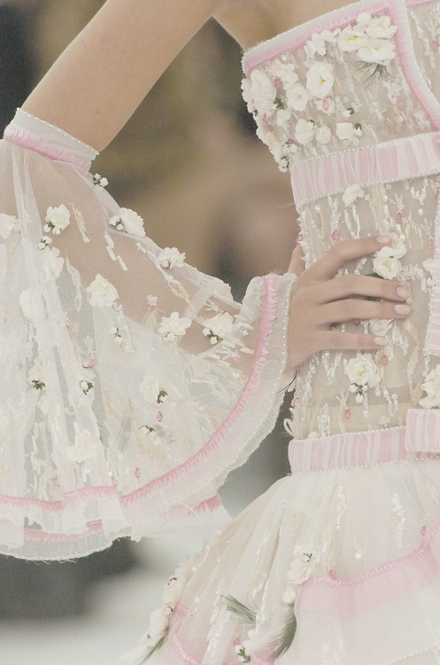 the-front-row:  Chanel Haute Couture Spring Summer 2005