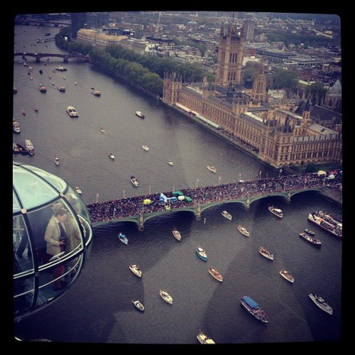 ukinusa:  An incredible view of the Thames Diamond Jubilee Pageant from the London Eye. (via The Official Thames Diamond Jubilee Pageant)