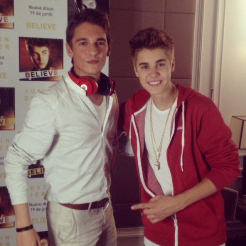 jusgohollywood:  Justin in Madrid today with Xavi