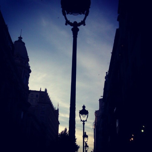 Getting dark… #barcelona #sky #ubiquography  (Tomada con instagram)