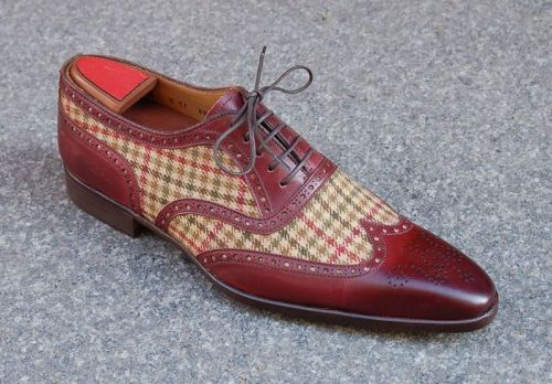 putthison:  Men's Flair: 54 Brands Selling Quality Ready-to-Wear Shoes A not-quite-exhaustive but very useful list of quality shoe brands. Missing from the list (presumably for simplicty's sake) are among other things non-shoe brands that sell quality branded shoes (like Brooks Brothers or Kiton) and brands with multiple lines at multiple quality points (like Salvatore Ferragamo). Still a very handy compilation. (Above: shoes by Marc Guyot)
