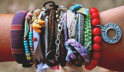 Nice !! Bracelets| sʇǝlǝɔɐɹq on We Heart It. http://weheartit.com/entry/29894127