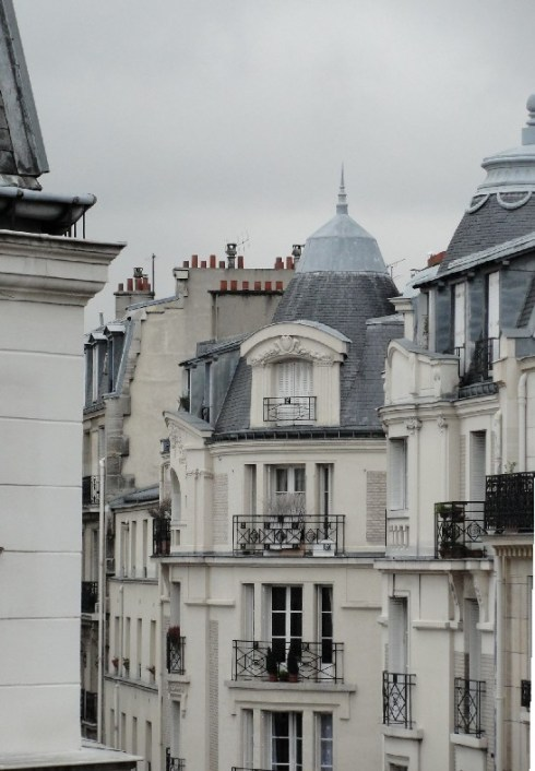 source: The Paris Apartment ~ I love this photograph ~ it conveys the feeling of being there