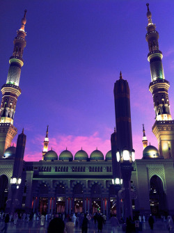 sayeda313:  Masjid un-Nabawi, beautiful as always