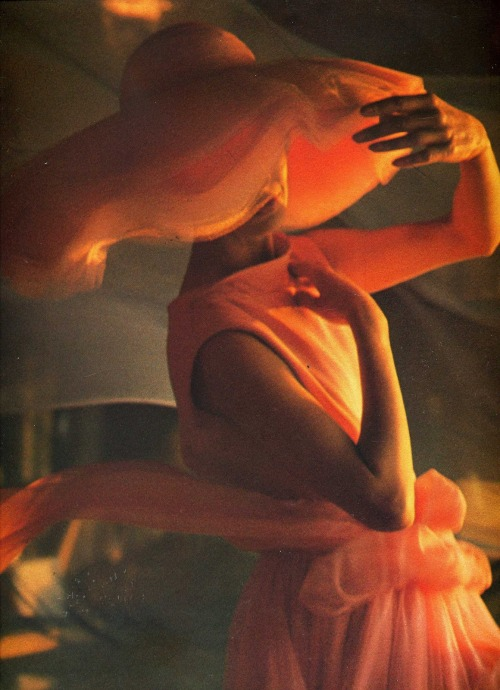 forties-fifties-sixties-love:  Photograph by Gordon Parks