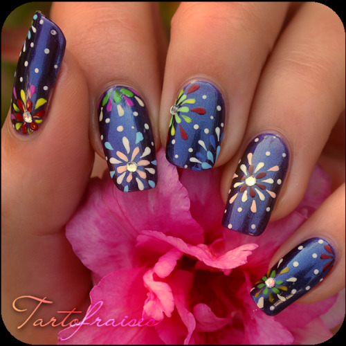 floral fireworks nails