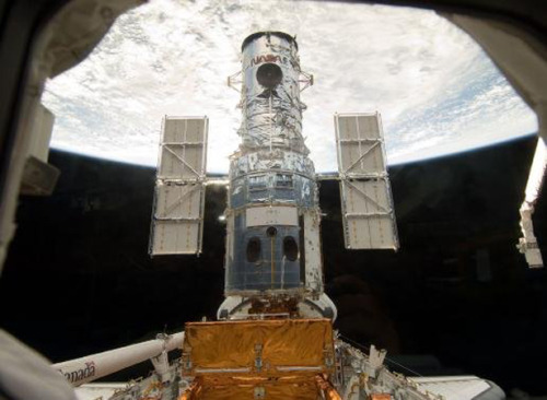 theatlantic:  U.S. Military Has Two Better-Than-Hubble Space Telescopes Just Sitting Around  NASA's been wracked by budgetary concerns as it tries to figure out how to do research into the origins of everything *and* loft human beings into orbit with big rockets. In particular, the space agency has been dealing with cost overruns on the next-generation Hubble, the James Webb Space Telescope, which have been eating up the science budget. Now, we get word from the Washington Post that the Department of Defense has gifted two better-than-Hubble telescopes to NASA. That's right. Our military had two, unflown, better-than-Hubble space telescopes just sitting around. This story is almost unbelievable; it feels like a hoax. But it's not. Read more. [Image: NASA]  NASA: Can you spare a Hubble? U.S. military: Sure, have two!