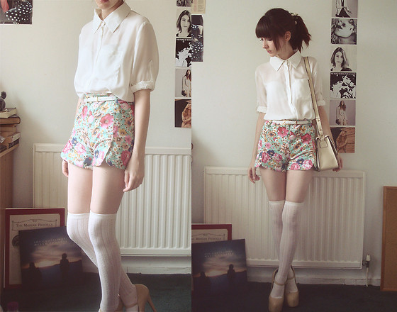 Neeeed floral shorts! Hello Rain  (by Ashleigh F.)