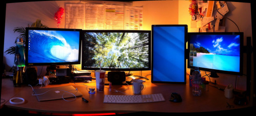 "Workstation. 22""Samsung 27"" Dell  24"" BenQ Macbook Air 13""  [ photo by: zzap! ]"