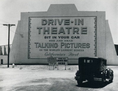 forties-fifties-sixties-love:  First drive-in theater: Los Angles, CA 1935