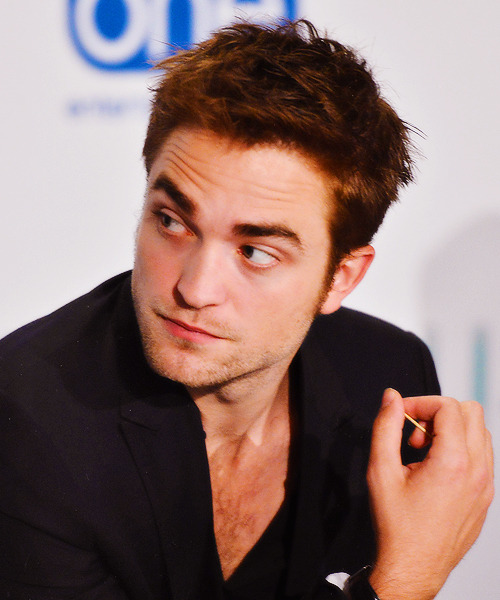"Robert Pattinson | ""Cosmopolis"" Toronto Press Conference (2012) (x)"