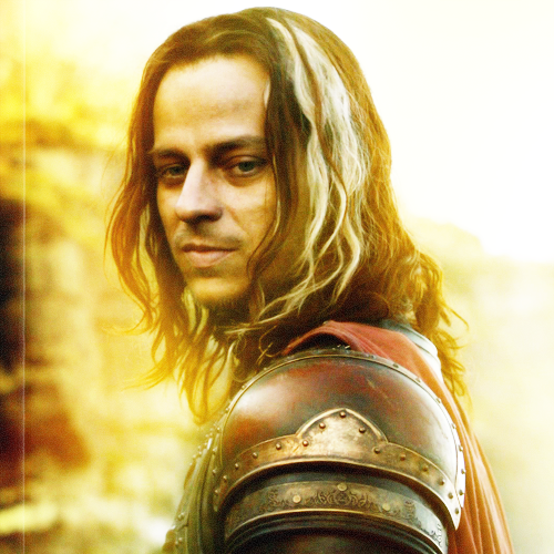 I'd like to take a moment to say goodbye to Jaqen H'ghar. Farewell my King of Identity Fraud. :(