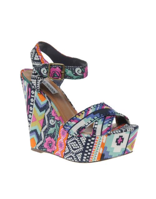 potpourriurg:  Steve Madden Winonna Multi print WedgesMore photos & another fashion brands: bit.ly/JkzvLd