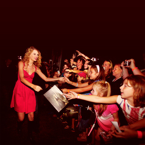 """Fans are my favorite thing in the world. I've never been the type of artist who has that line drawn between their friends and their fans. The line's always been really blurred for me."""