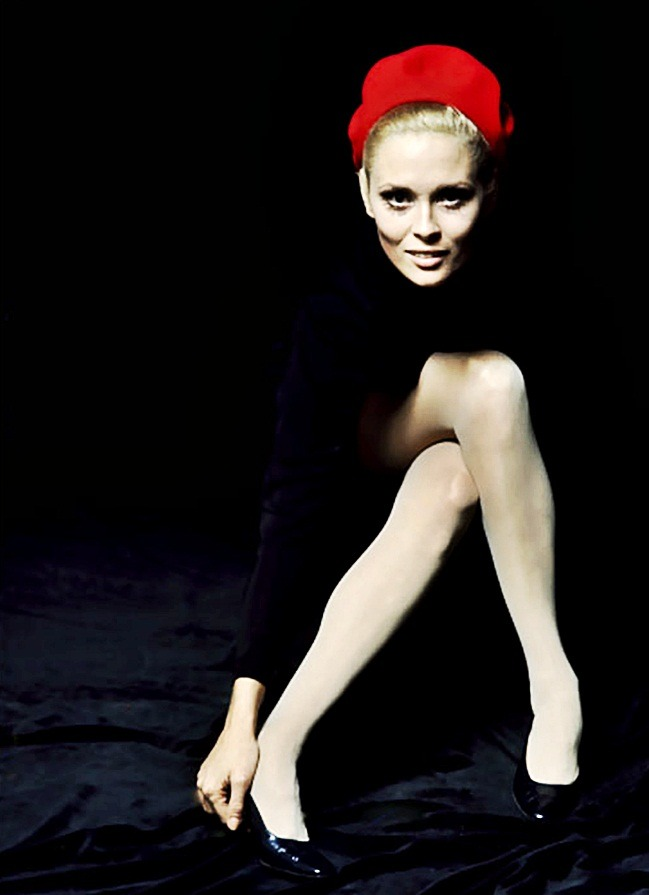 fuckindiva:  Faye Dunaway by Jerry Schatzberg, 1968